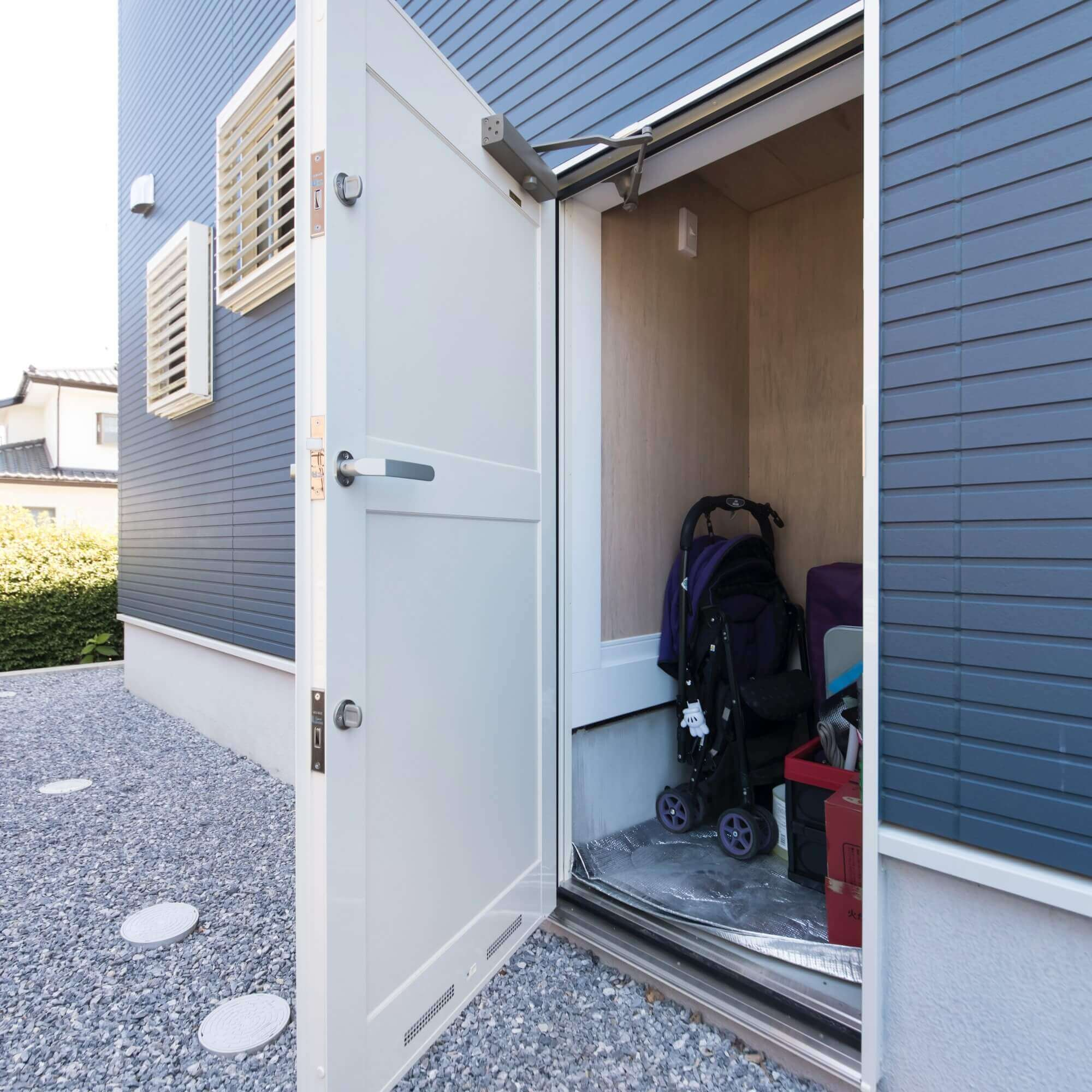 鹿沼市の注文住宅事例 階段下収納