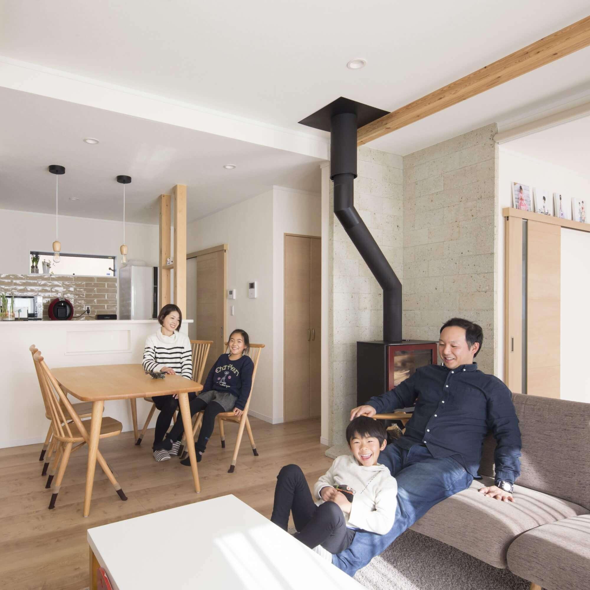 鹿沼市の注文住宅事例 リビングと家族