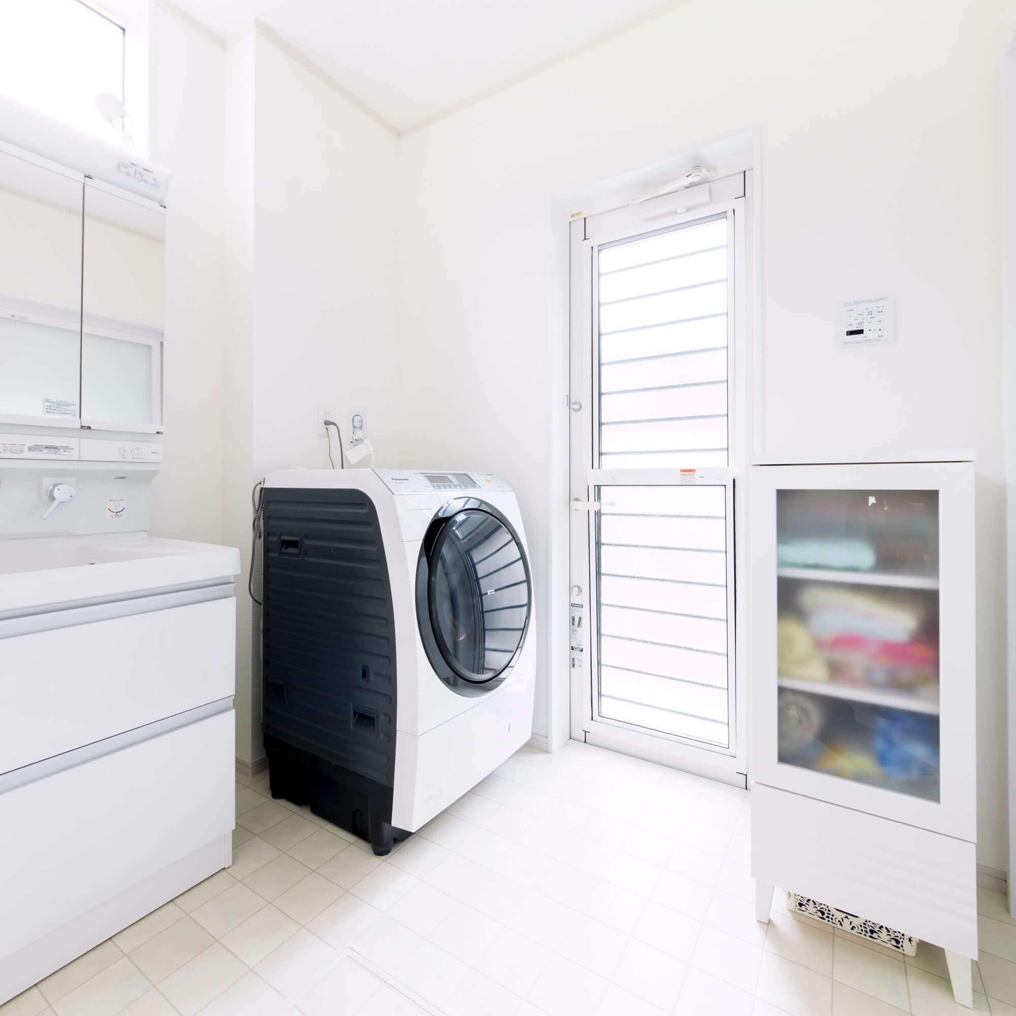 日光市の注文住宅事例 洗面脱衣室